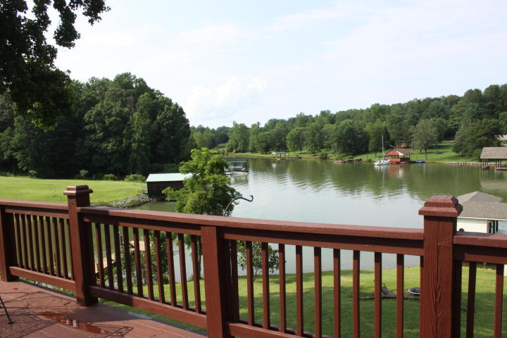 Love The Lakeside Charm At 308 Hilltop Drive